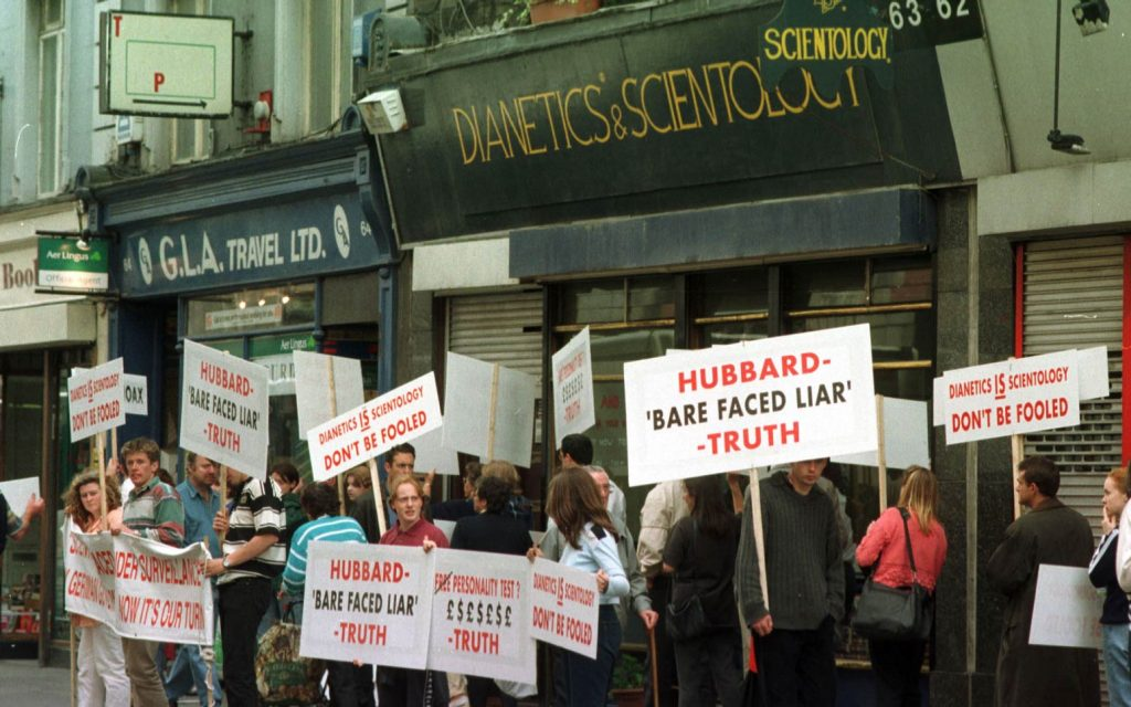 scientology-protest-dublin